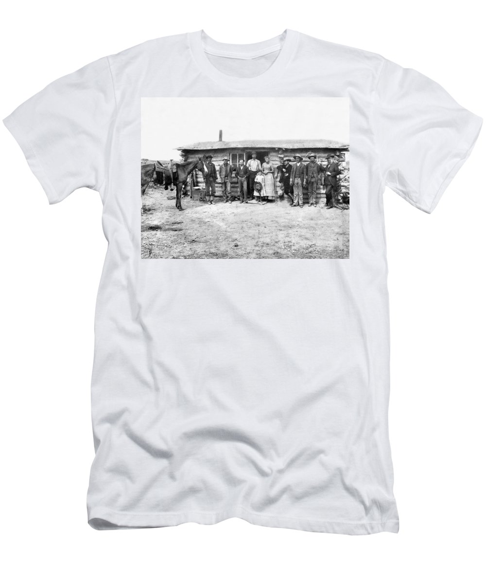 1870 Men's T-Shirt (Athletic Fit) featuring the photograph Pioneer Family Portrait by Underwood Archives