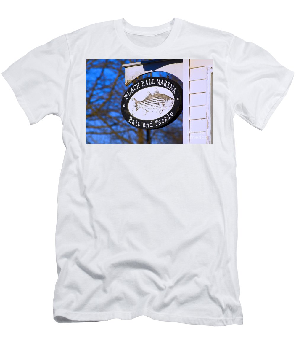 Fish Men's T-Shirt (Athletic Fit) featuring the photograph Pit Stop by Joe Geraci
