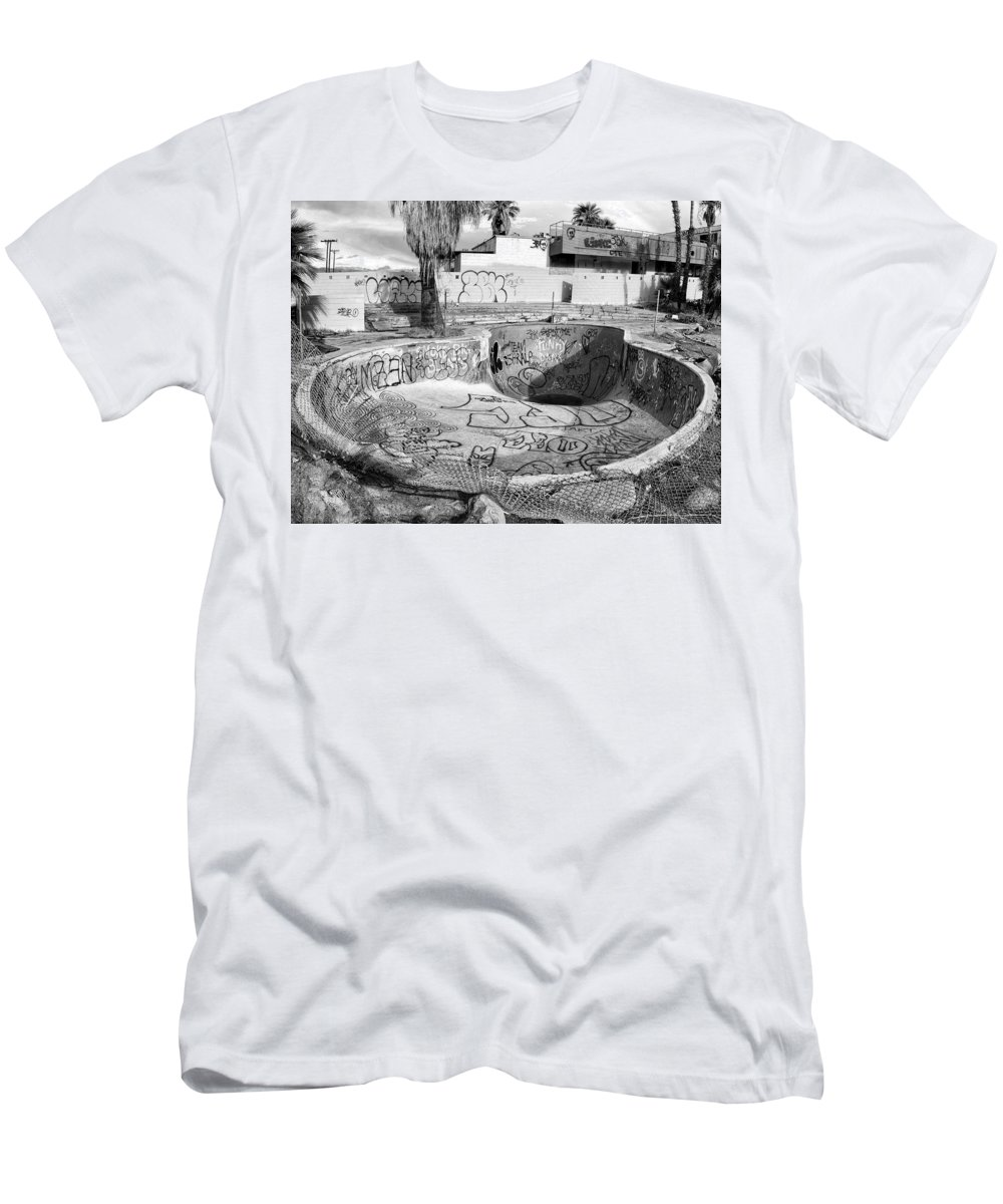 Pool Men's T-Shirt (Athletic Fit) featuring the photograph Pool At The North Shore Yacht Club by Dominic Piperata