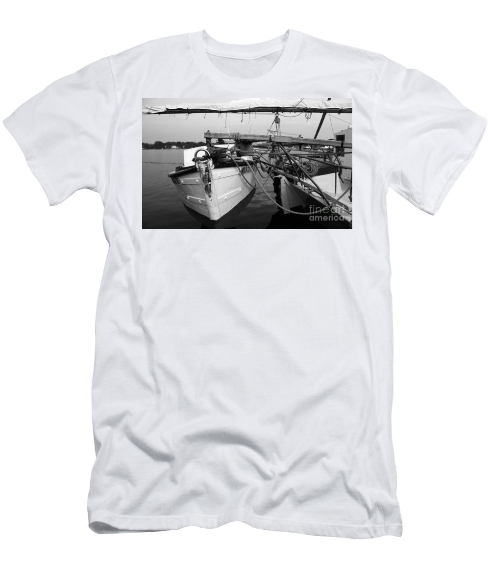 Maritime Men's T-Shirt (Athletic Fit) featuring the photograph Push Boat by Skip Willits