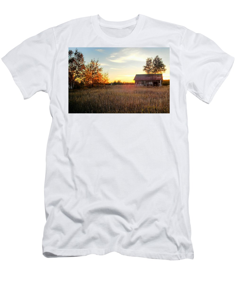 Sunset Men's T-Shirt (Athletic Fit) featuring the photograph Resilience by Kim Ruley