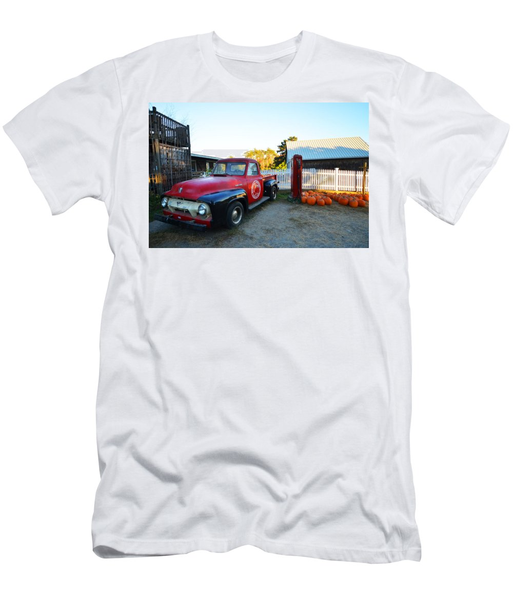 Ipswich Men's T-Shirt (Athletic Fit) featuring the photograph Russel Farms 1951 Ford F100 by Toby McGuire