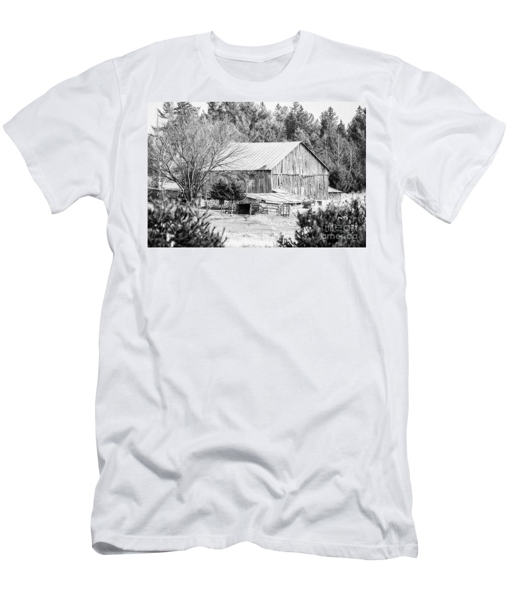 Men's T-Shirt (Athletic Fit) featuring the photograph Rustic Old Barn by Cheryl Baxter