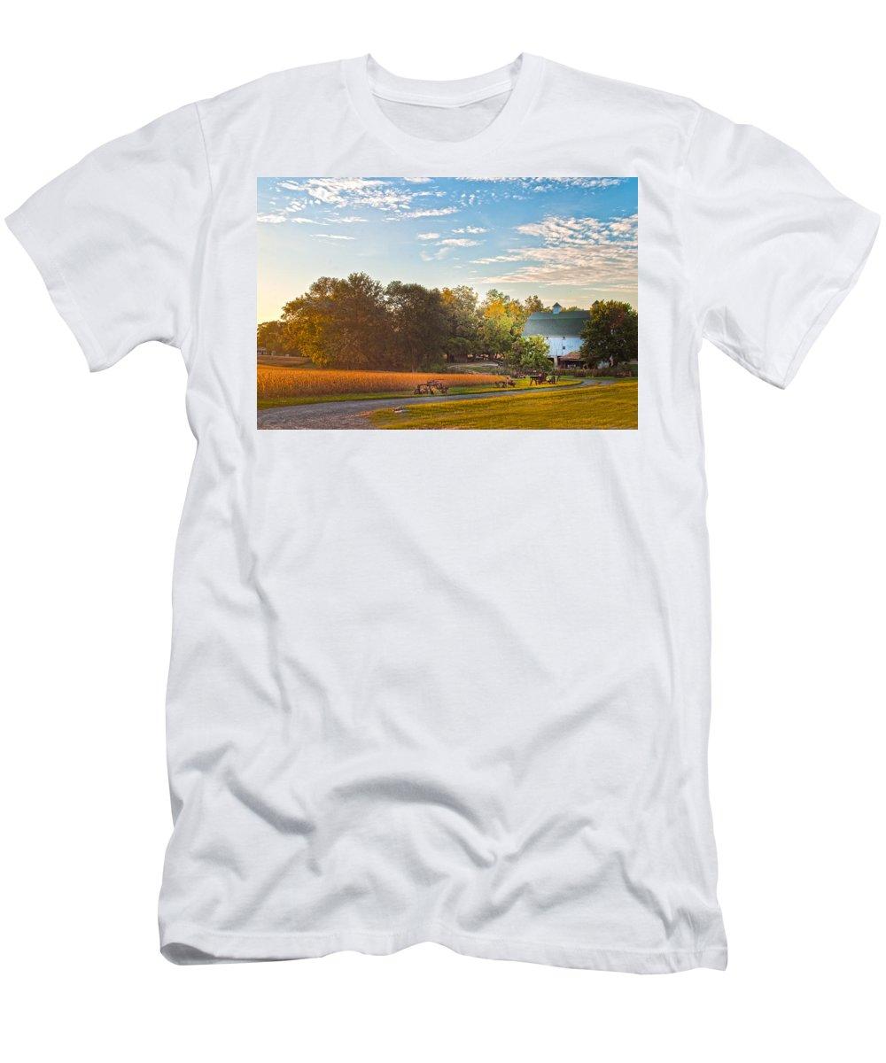 Showcase Barn Men's T-Shirt (Athletic Fit) featuring the photograph Showcase Barn And Farm by Randall Branham