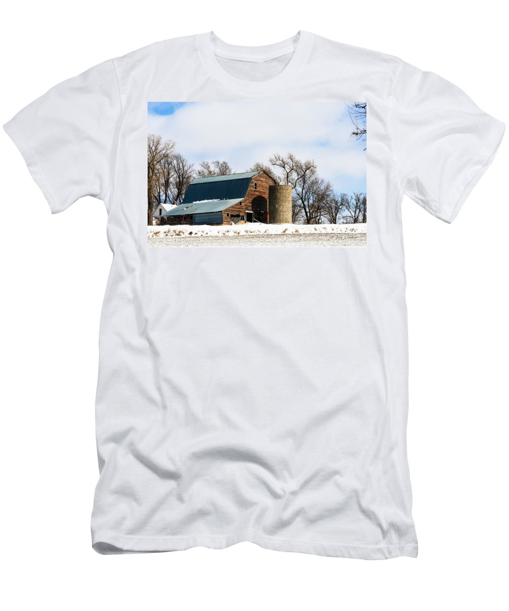 Barns Men's T-Shirt (Athletic Fit) featuring the photograph Snow Barn by Edward Peterson