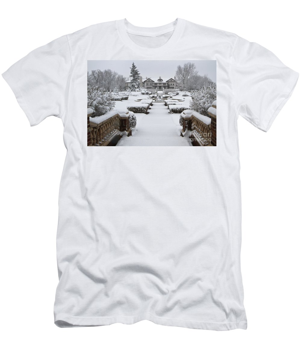 Longview Men's T-Shirt (Athletic Fit) featuring the photograph Snowfall At Longview Mansion by Dennis Hedberg