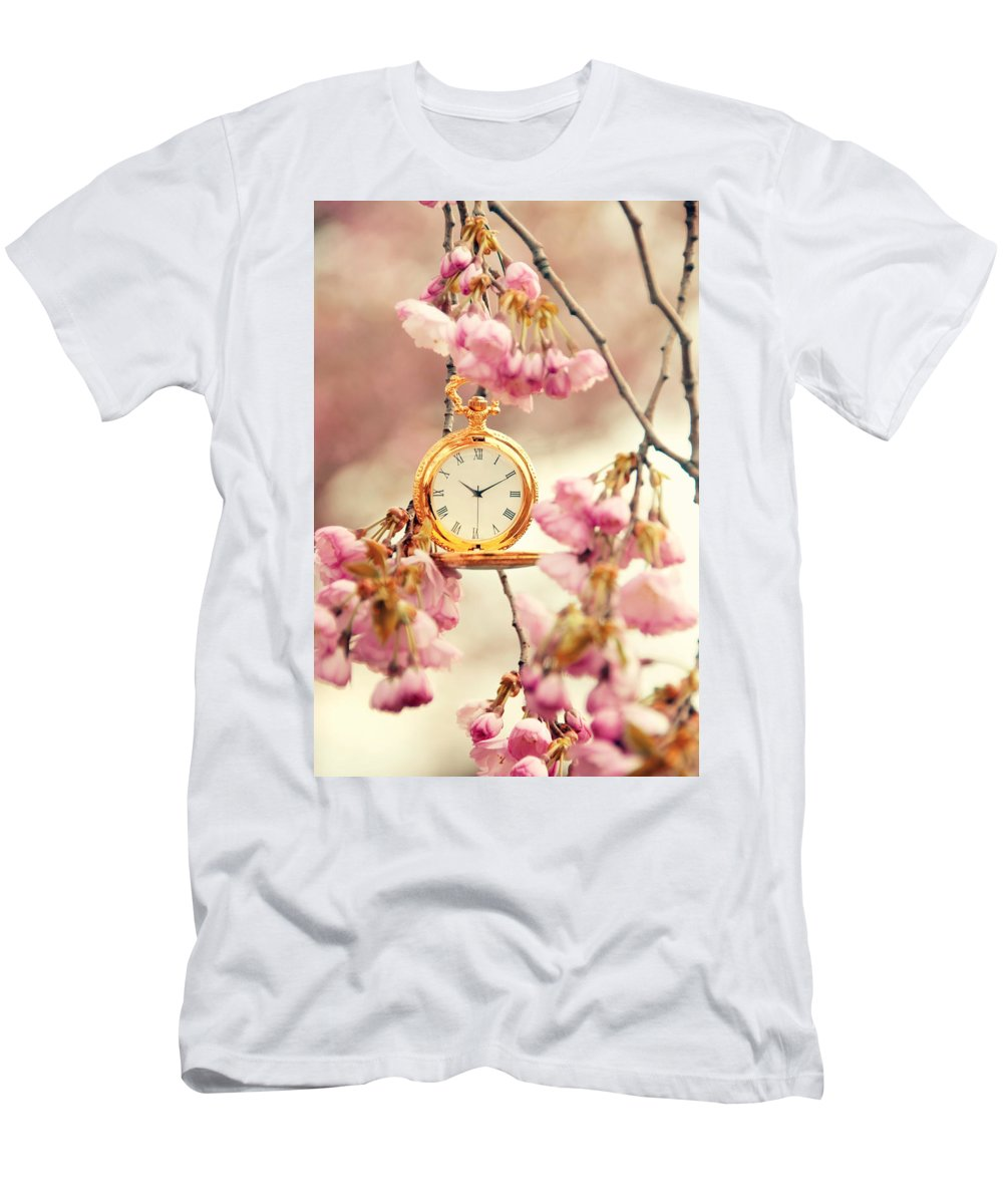 Uhr Men's T-Shirt (Athletic Fit) featuring the pyrography Springtime by Steffen Gierok