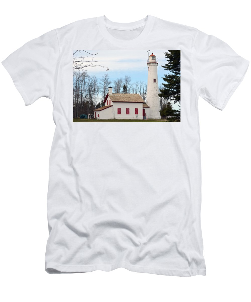 Sturgeon Point Lighthouse Men's T-Shirt (Athletic Fit) featuring the photograph Sturgeon Point Lighthouse by Linda Kerkau