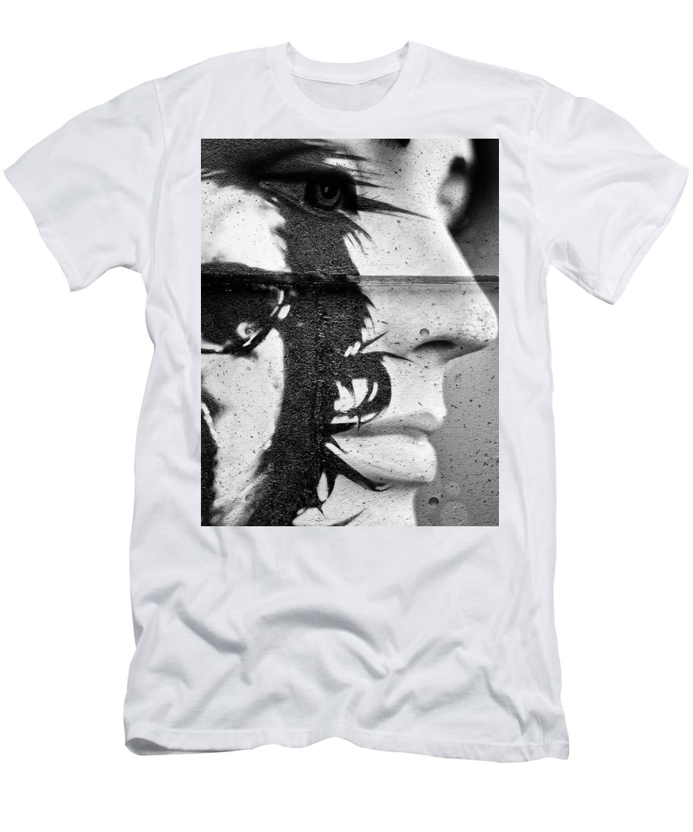 Vancouver Men's T-Shirt (Athletic Fit) featuring the photograph Suck The Venom by The Artist Project