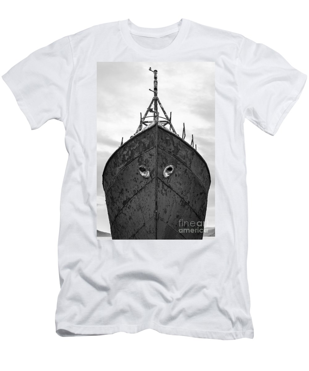 Black And White Men's T-Shirt (Athletic Fit) featuring the photograph The Boat by Gunnar Orn Arnason