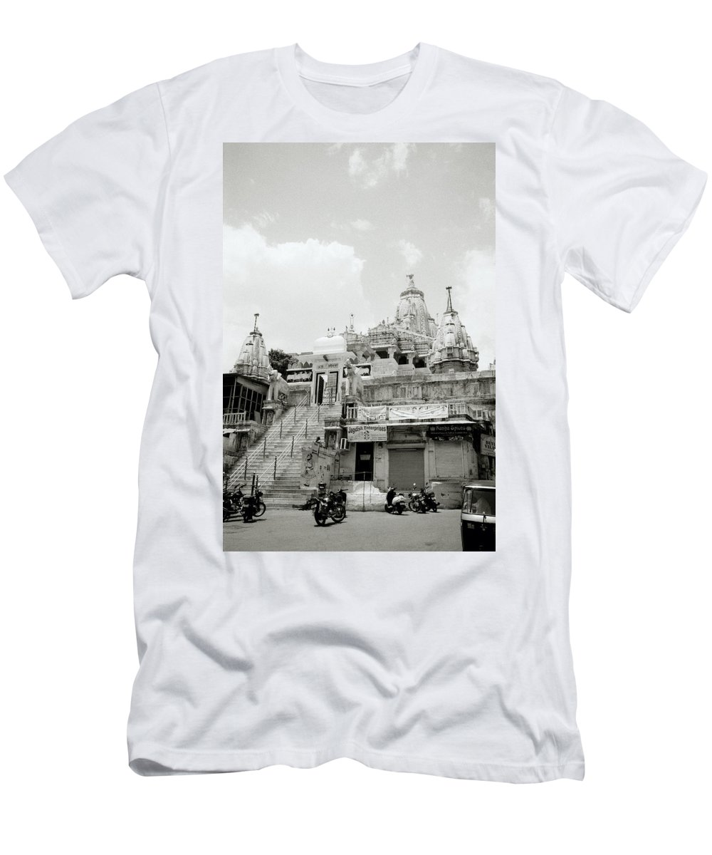 Jagdish Men's T-Shirt (Athletic Fit) featuring the photograph The Jagdish Temple by Shaun Higson
