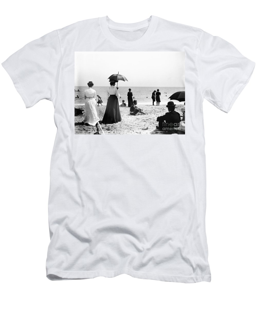 Black And White Men's T-Shirt (Athletic Fit) featuring the photograph Turn Of The Century Palm Beach by LOC Science Source