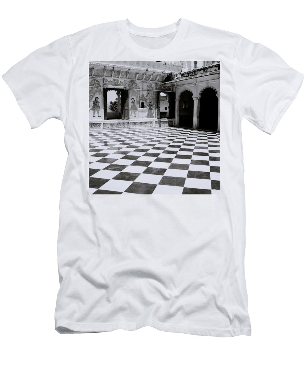 Udaipur Men's T-Shirt (Athletic Fit) featuring the photograph Udaipur Royalty by Shaun Higson