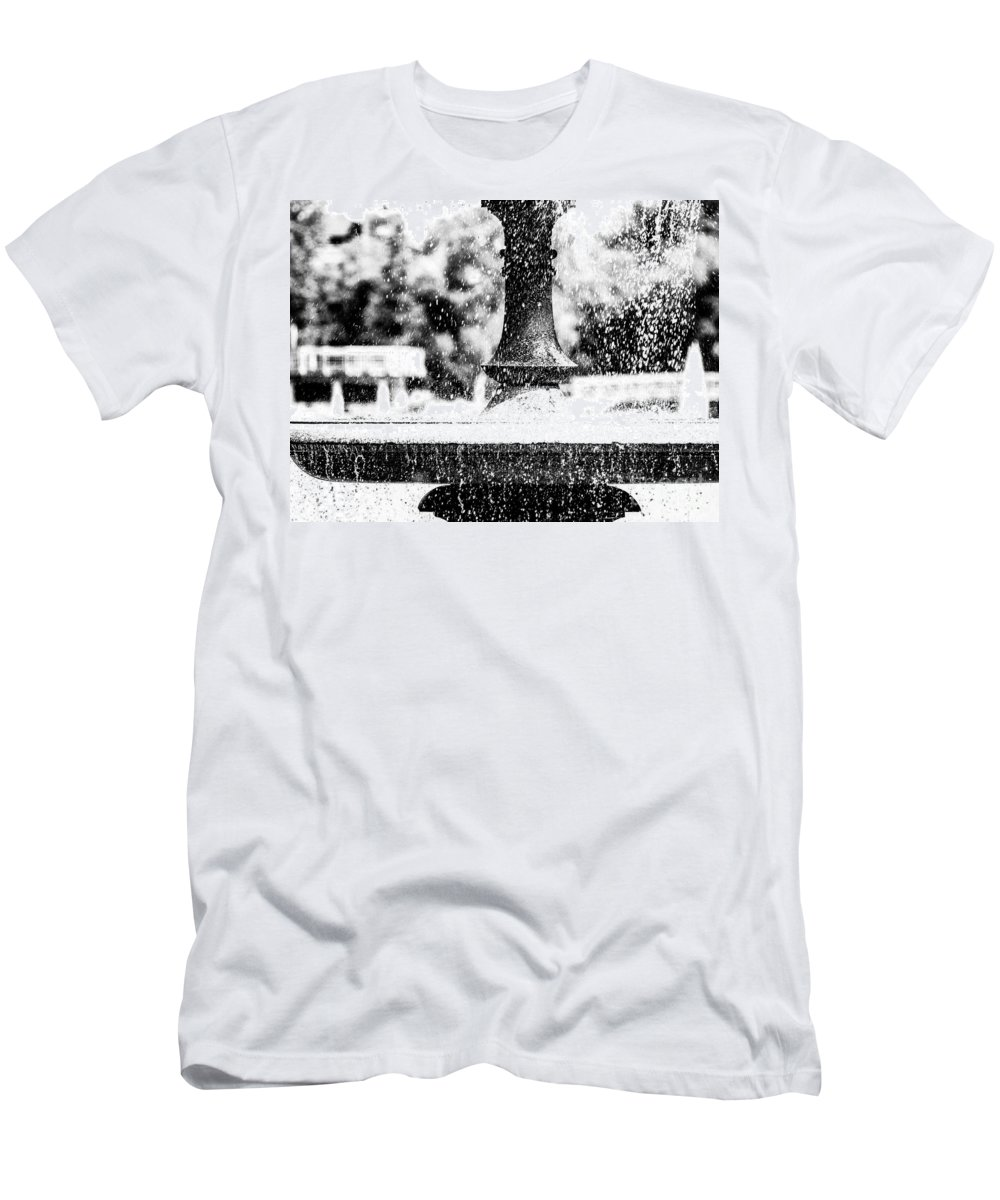 Fountain Men's T-Shirt (Athletic Fit) featuring the photograph Wascana-50 by David Fabian