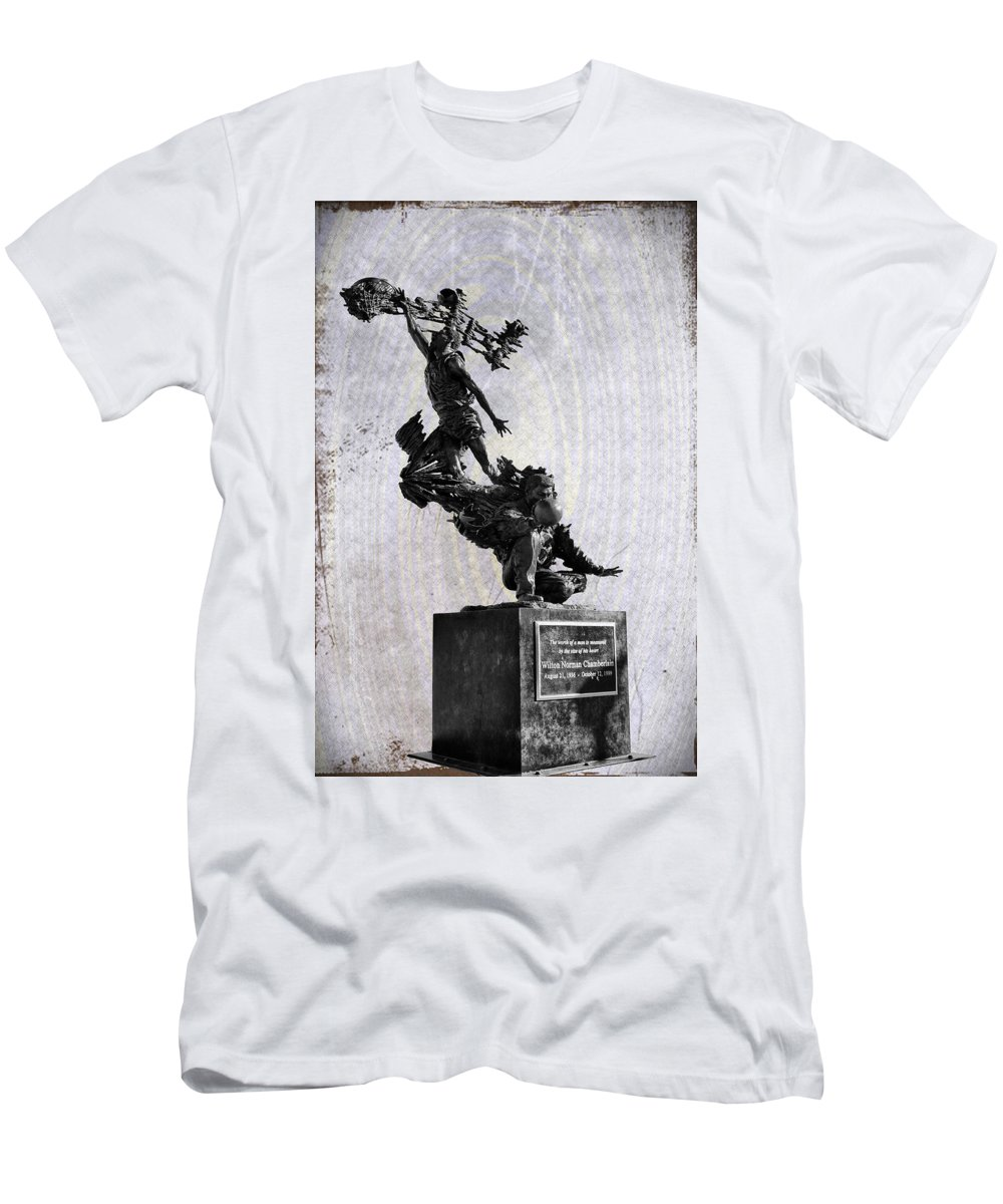 Wilt Chamberlain Men's T-Shirt (Athletic Fit) featuring the photograph Wilt Chamberlain by Bill Cannon