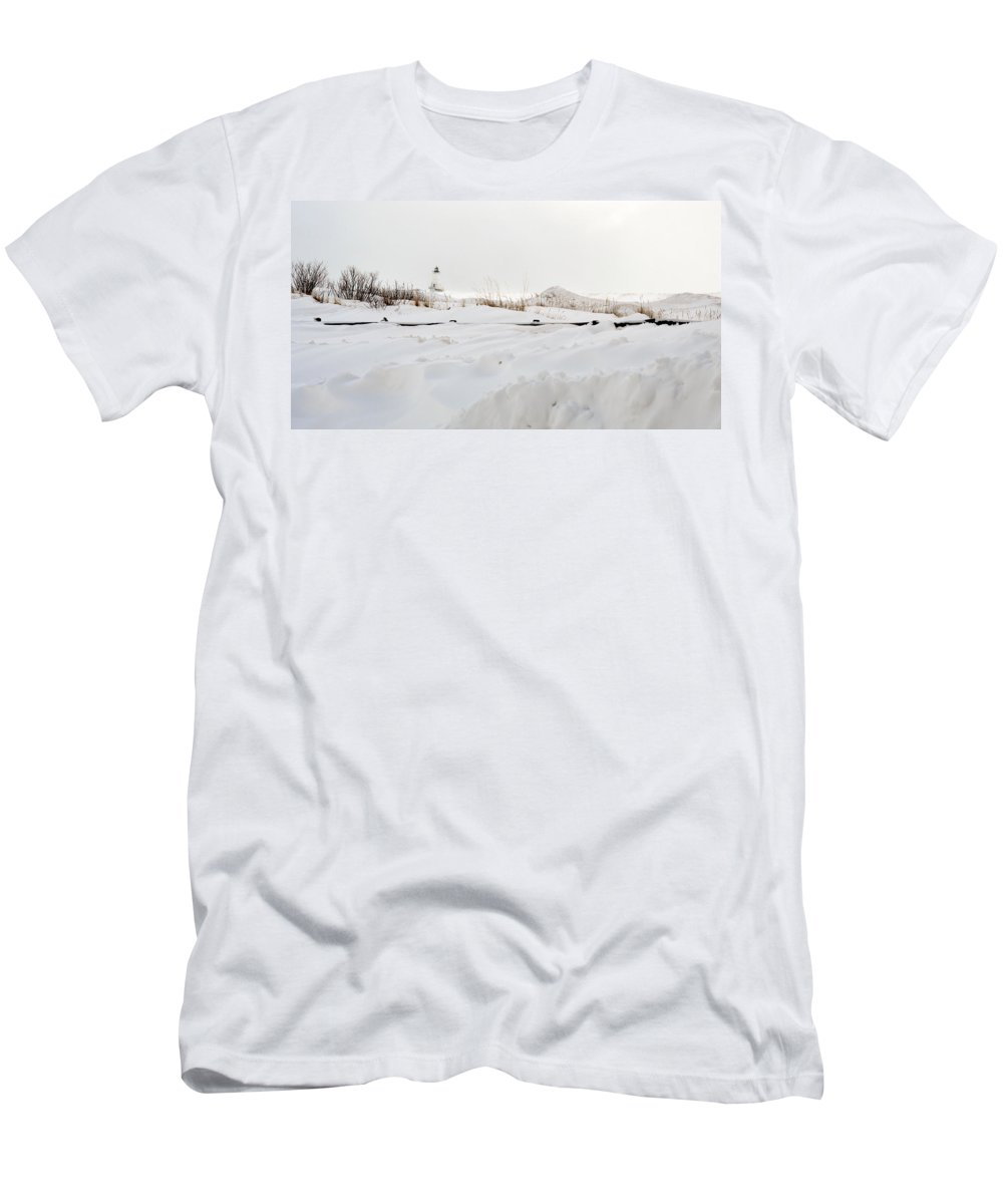 Lighthouse Men's T-Shirt (Athletic Fit) featuring the photograph Winter In Ludington by Linda Kerkau