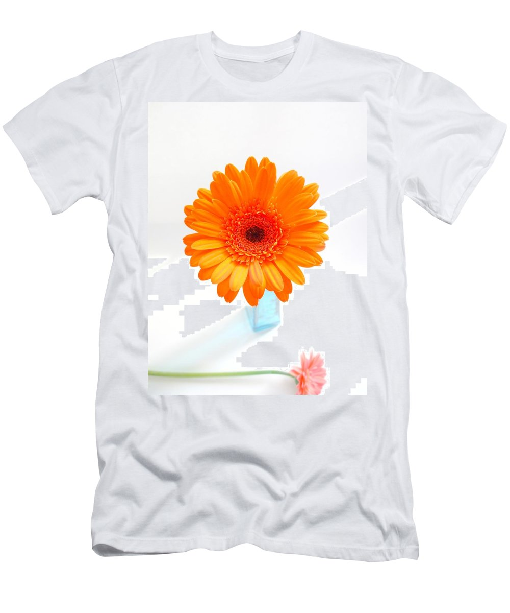 Gerbera Photographs Men's T-Shirt (Athletic Fit) featuring the photograph 1620c-001 by Kimberlie Gerner