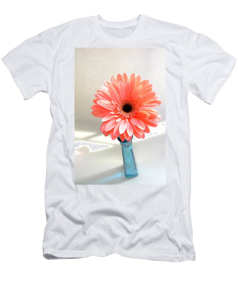 Gerbera Photographs Men's T-Shirt (Athletic Fit) featuring the photograph 1637c-001 by Kimberlie Gerner
