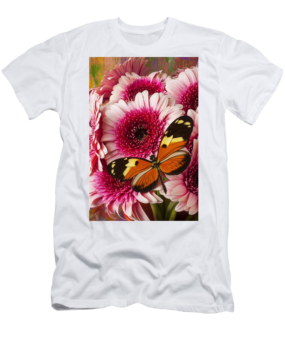 Butterfly Eduador Pichincha Tinalandia Men's T-Shirt (Athletic Fit) featuring the photograph Butterfly On Pink Mum by Garry Gay