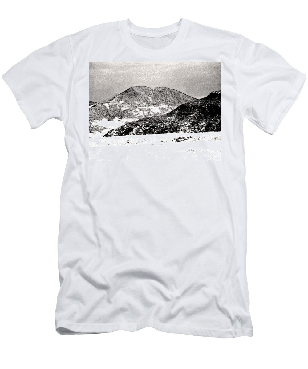 Abstract Men's T-Shirt (Athletic Fit) featuring the photograph Colorado 2 In Black And White by Lenore Senior