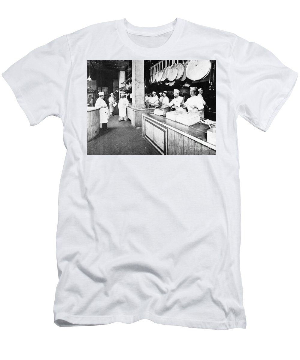 1902 Men's T-Shirt (Athletic Fit) featuring the photograph Delmonicos Restaurant by Granger
