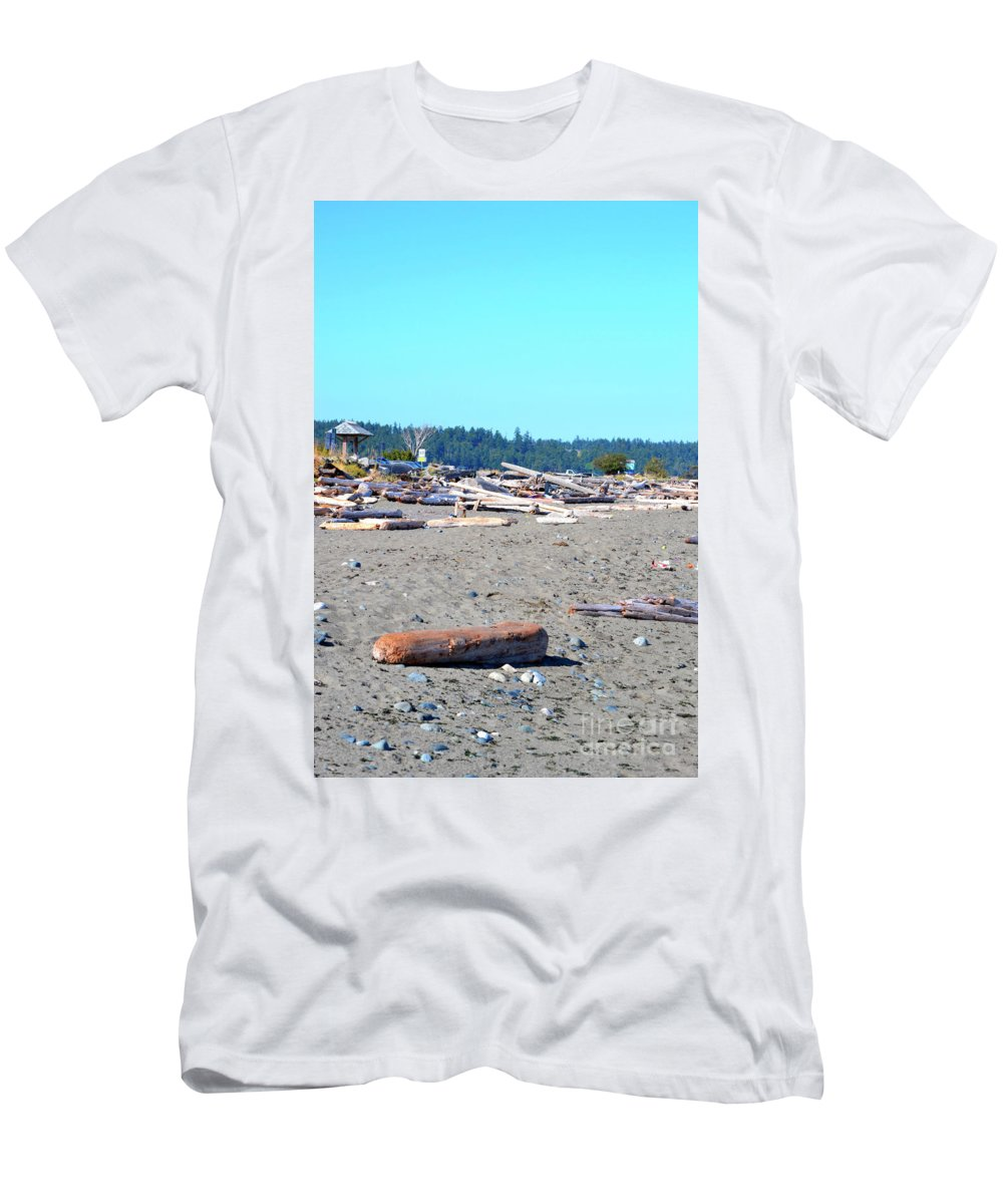 British Columbia Men's T-Shirt (Athletic Fit) featuring the photograph Esuimalt by Traci Cottingham