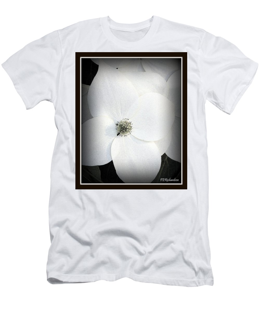 Black And White Men's T-Shirt (Athletic Fit) featuring the photograph Floweret by Priscilla Richardson
