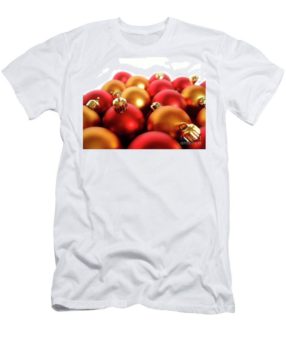 Ball Men's T-Shirt (Athletic Fit) featuring the photograph Gold And Red Xmas Balls by Carlos Caetano