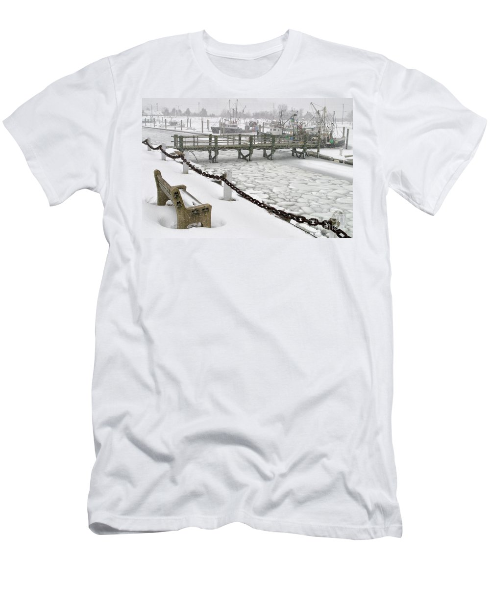 Snow Men's T-Shirt (Athletic Fit) featuring the photograph Heavy Snow Falls At Sandwich Marina In Sandwich On Cape Cod by Matt Suess