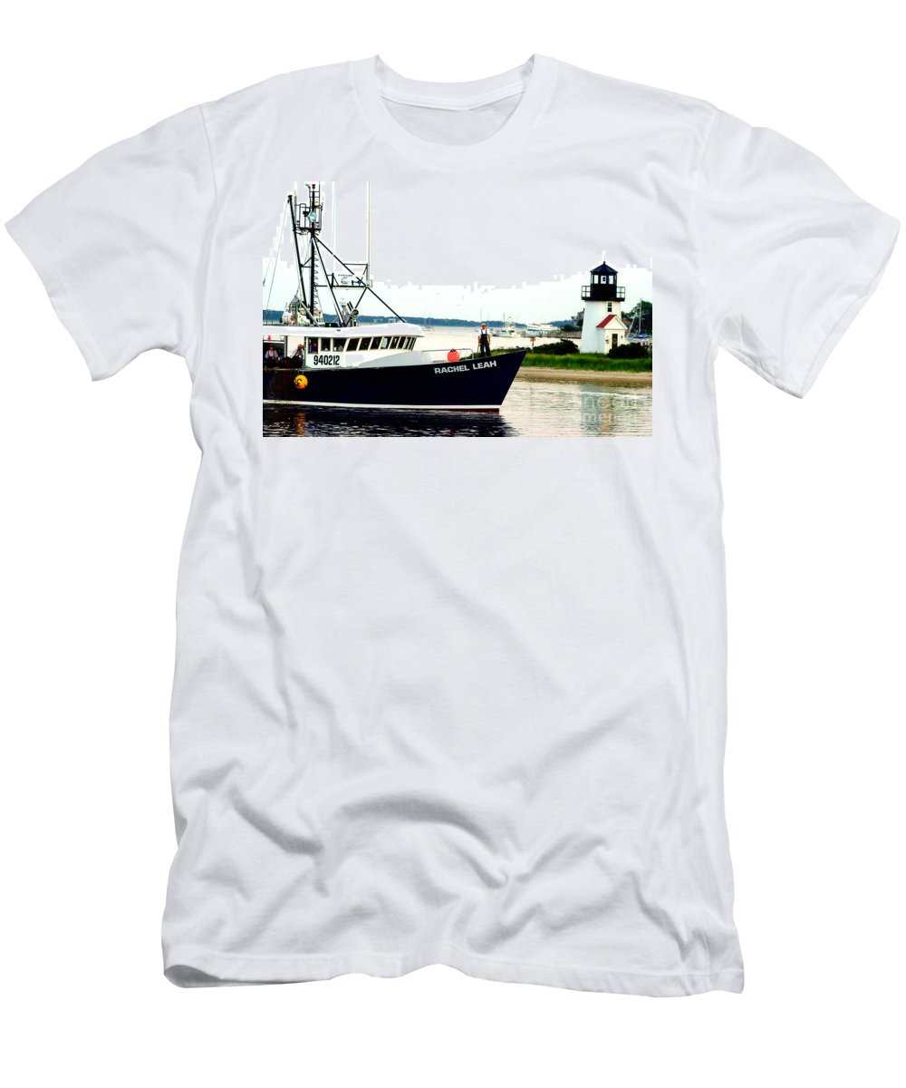 Hyannis Lighthouse Men's T-Shirt (Athletic Fit) featuring the photograph Hyannis Lighthouse And Fishing Boat by Matt Suess