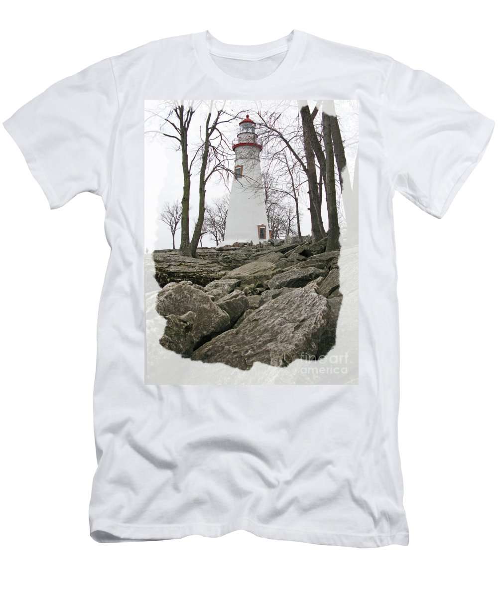 Lighthouse Men's T-Shirt (Athletic Fit) featuring the photograph Marblehead Lighthouse by Jack Schultz