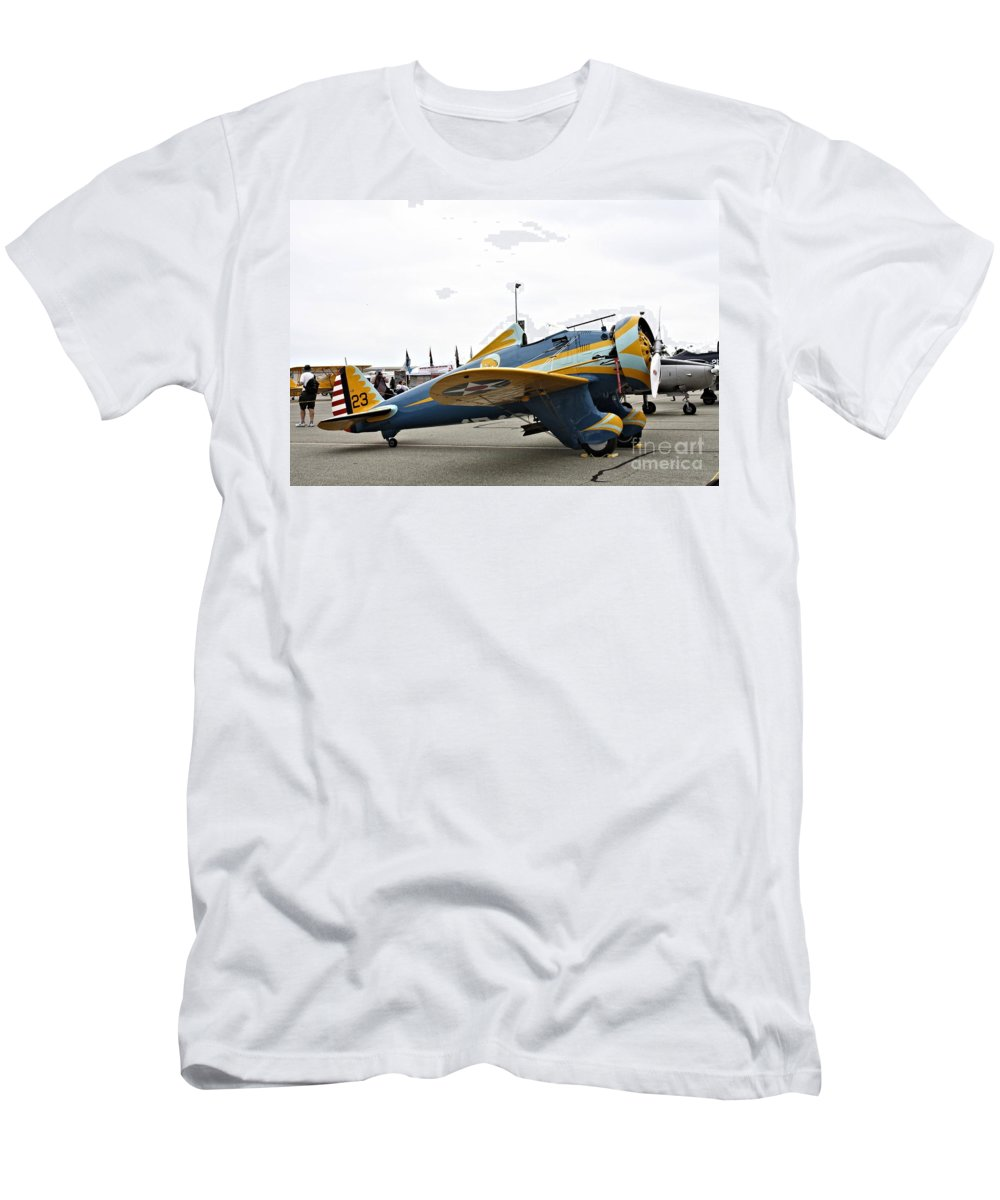 Boeing Men's T-Shirt (Athletic Fit) featuring the photograph Peashooter by Tommy Anderson