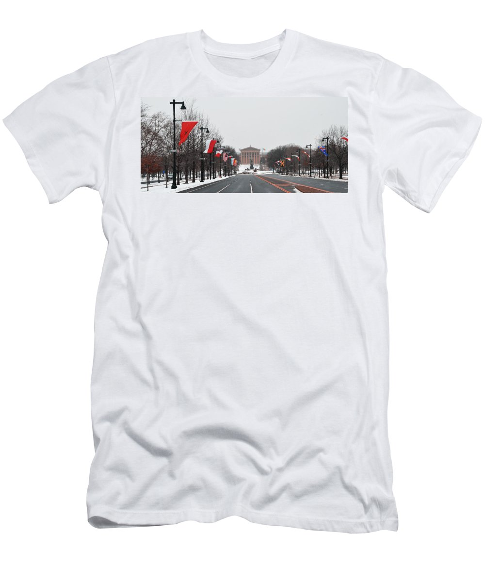 Philadelphia Parkway In The Snow Men's T-Shirt (Athletic Fit) featuring the photograph Philadelphia Parkway In The Snow by Bill Cannon