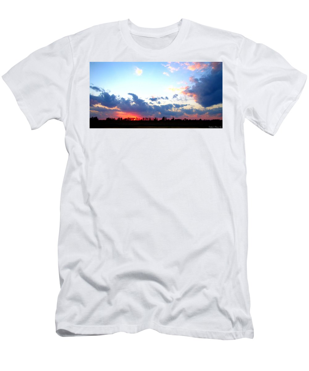 Sun Men's T-Shirt (Athletic Fit) featuring the photograph Pink And Blue Sunset by Debbie Portwood