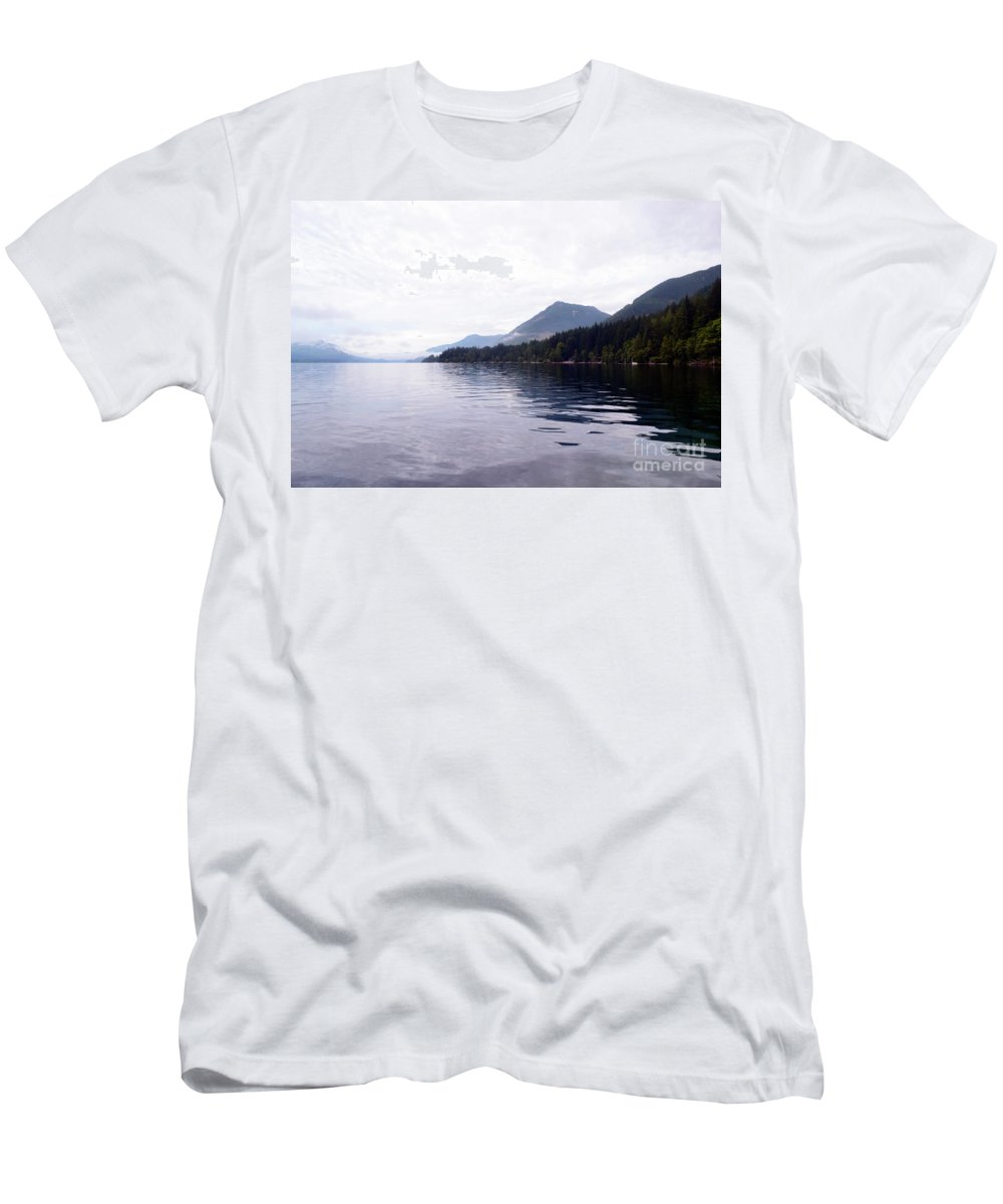 Ocean Men's T-Shirt (Athletic Fit) featuring the photograph Sunrise1 by Traci Cottingham
