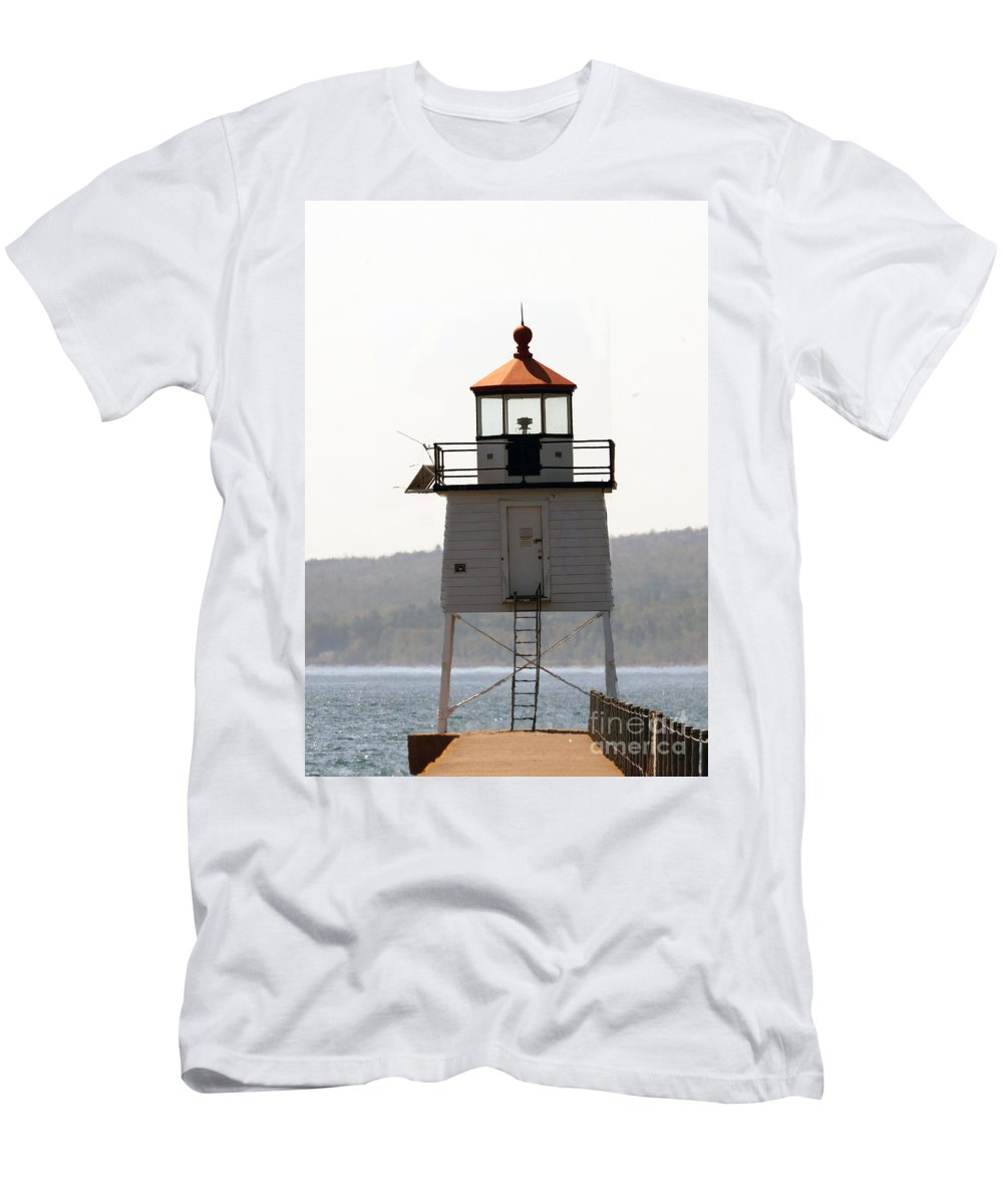 Lighthouses Men's T-Shirt (Athletic Fit) featuring the photograph Two Harbors Lighthouse by Lori Tordsen
