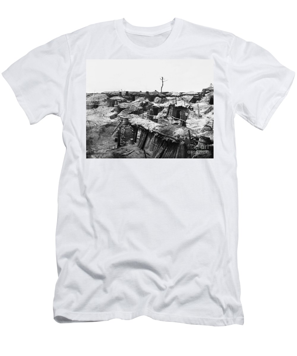 1865 Men's T-Shirt (Athletic Fit) featuring the photograph Civil War: Petersburg by Granger