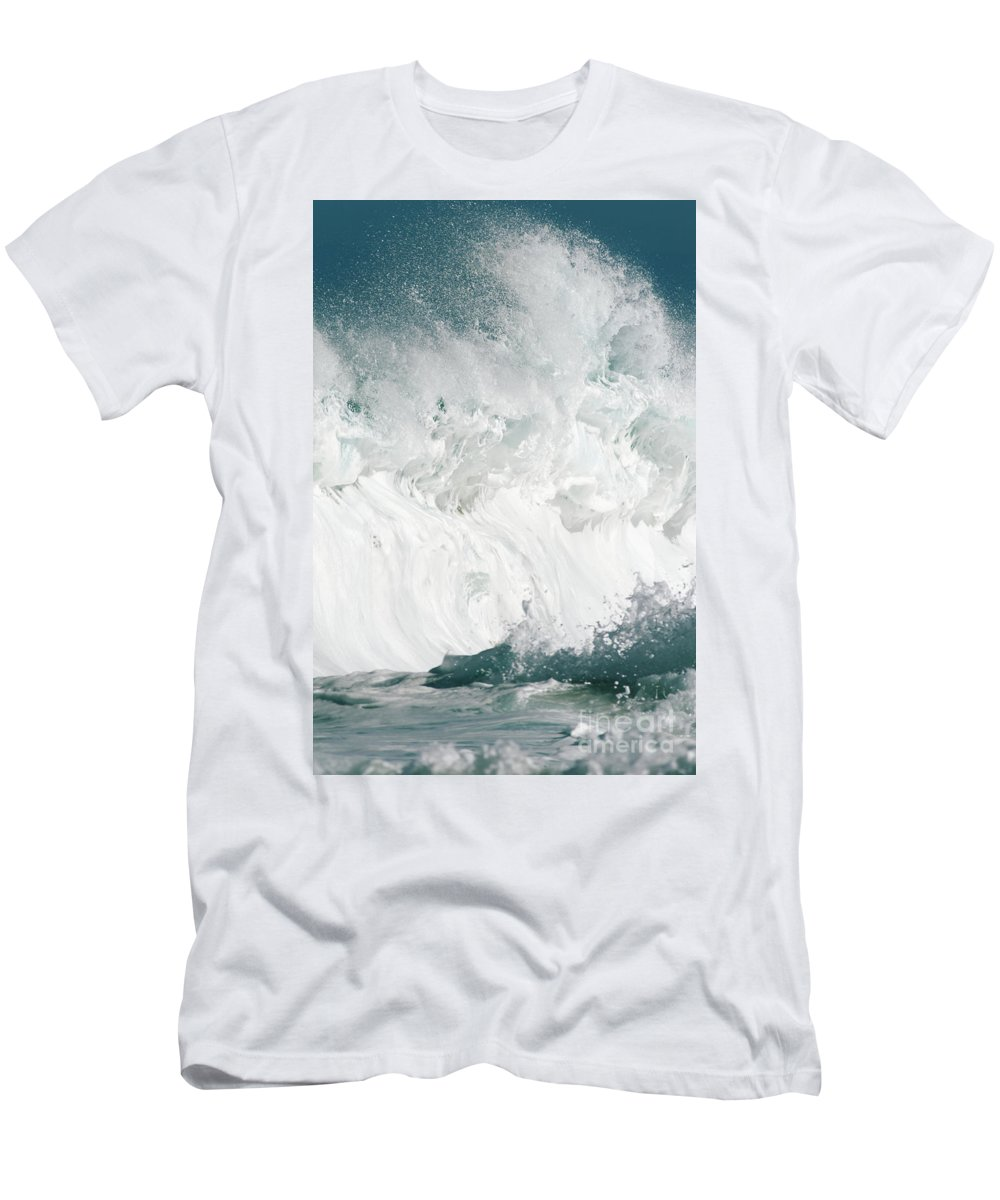 Afternoon Men's T-Shirt (Athletic Fit) featuring the photograph Oahu Wave by Vince Cavataio - Printscapes