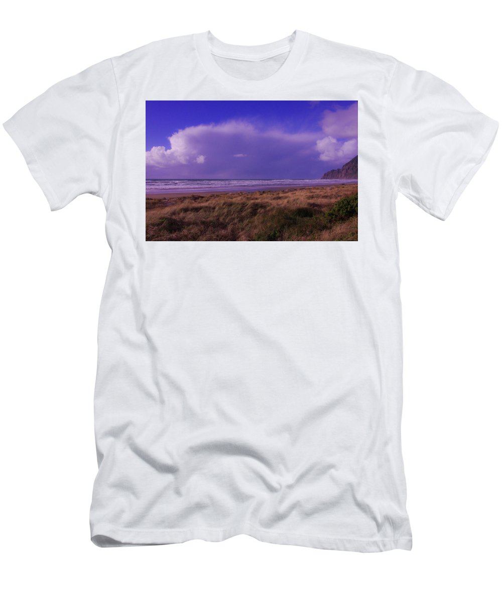Ocean Men's T-Shirt (Athletic Fit) featuring the photograph Storm Approaching by Teresa Herlinger