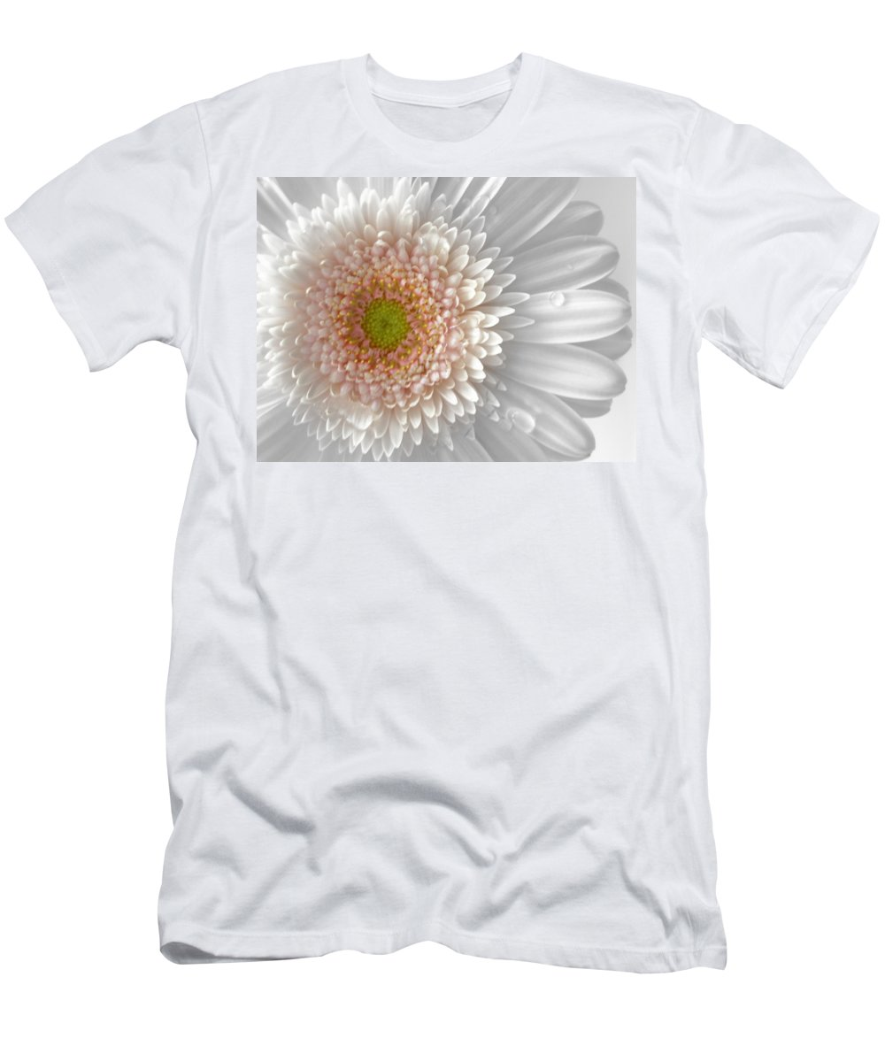 Gerbera Photographs Men's T-Shirt (Athletic Fit) featuring the photograph 1475-004 by Kimberlie Gerner