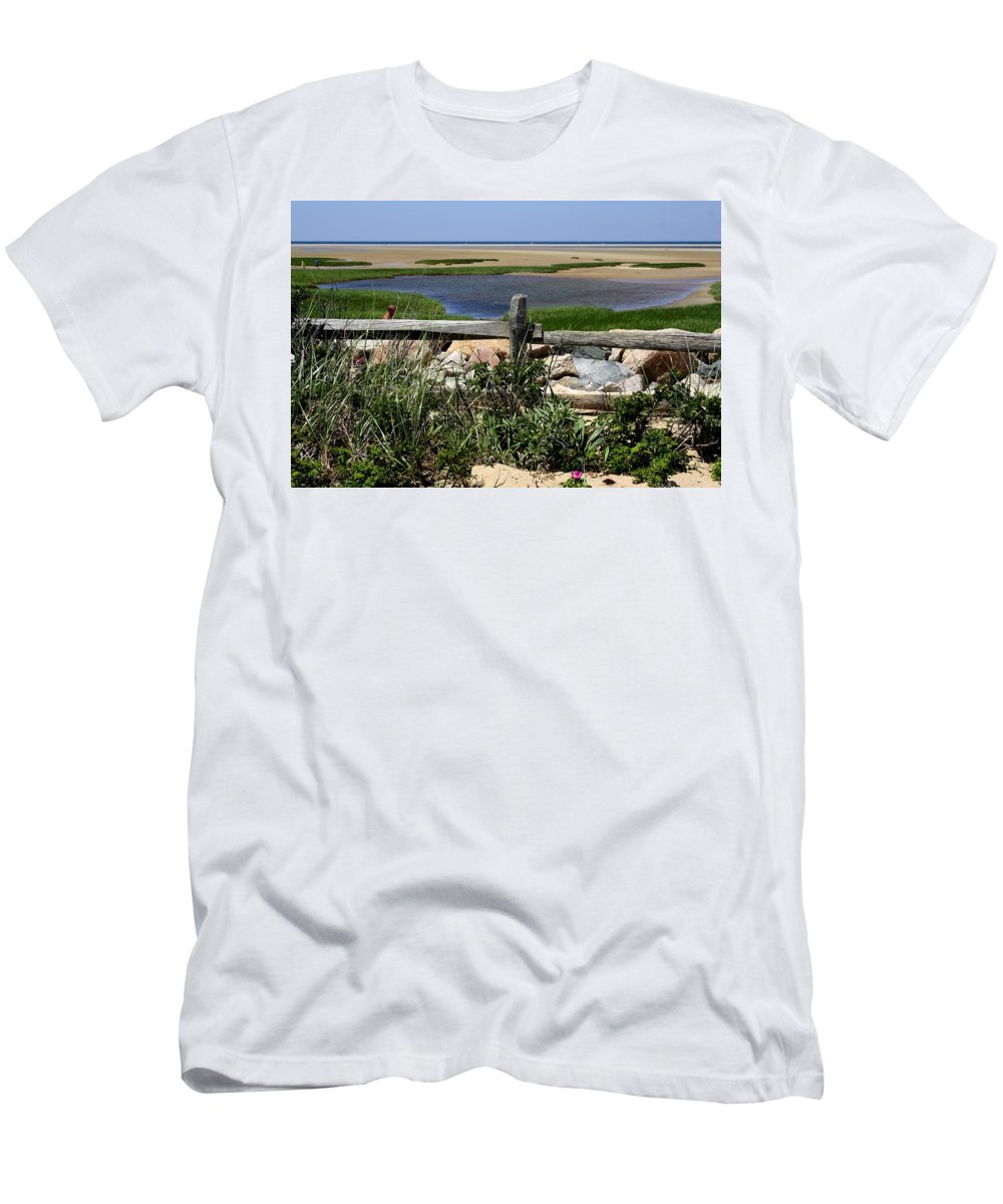 Water Men's T-Shirt (Athletic Fit) featuring the photograph Paines Creek by Donna Walsh