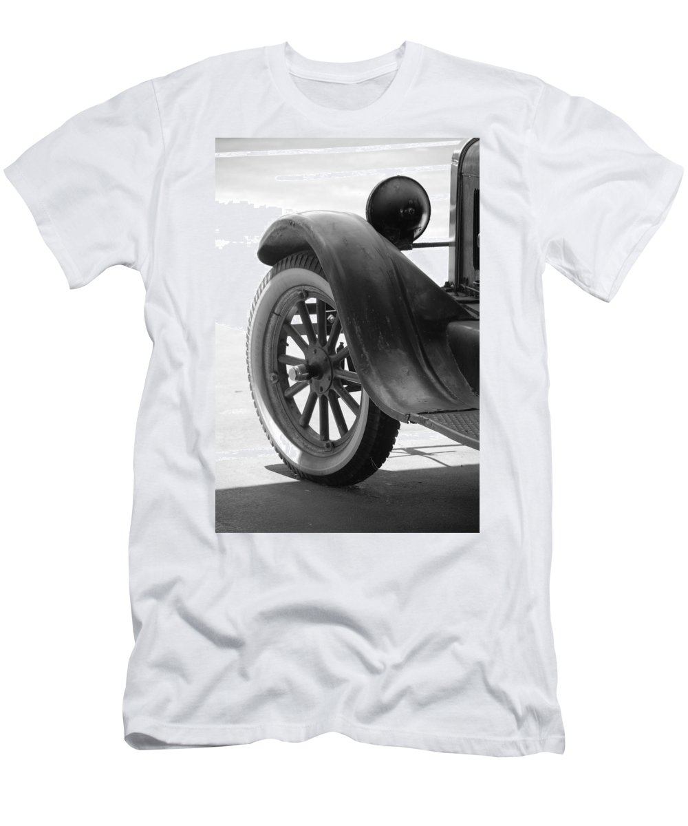Black And White Men's T-Shirt (Athletic Fit) featuring the photograph 1926 Model T Ford by Rob Hans