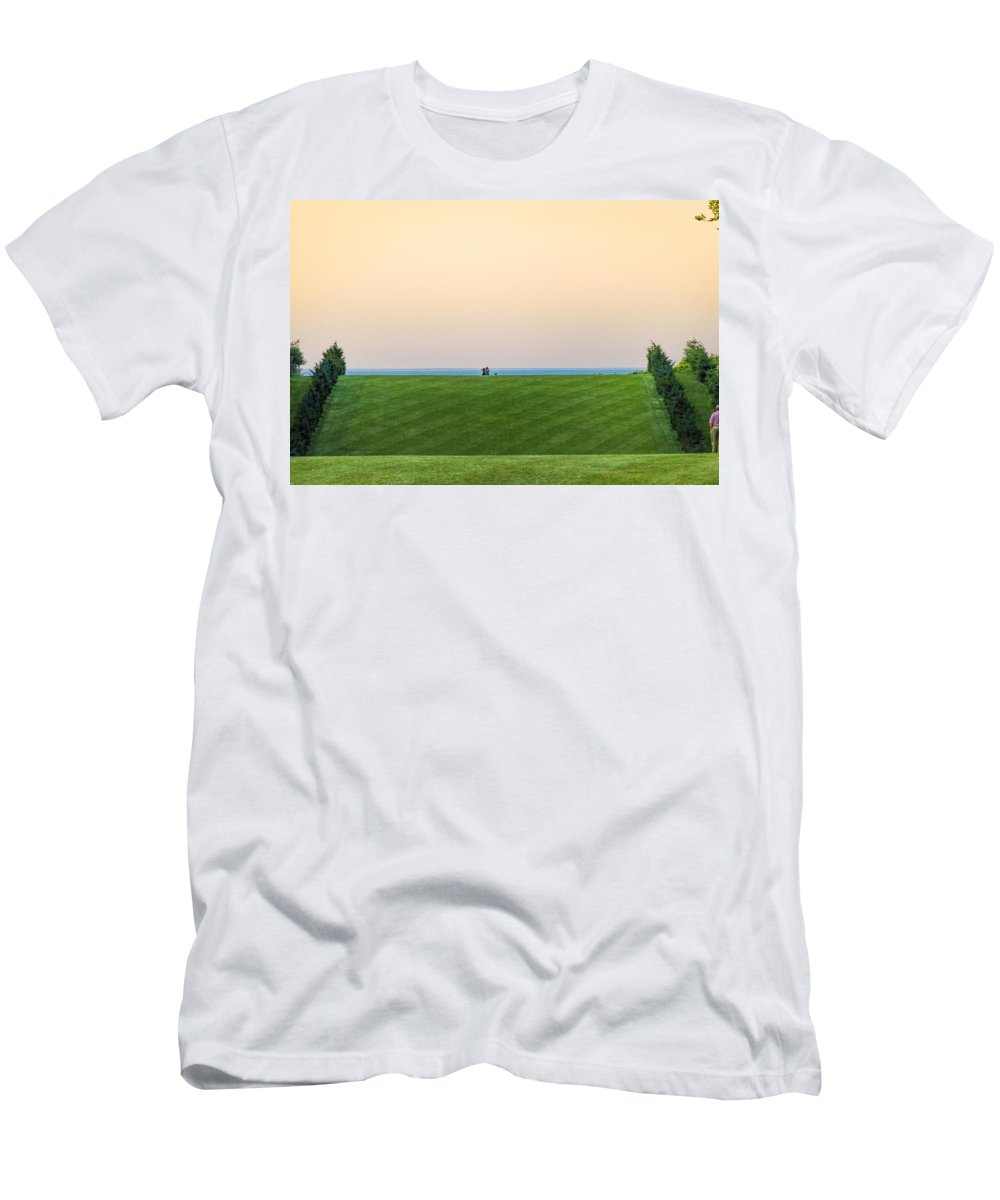 Allee Men's T-Shirt (Athletic Fit) featuring the photograph Allee Contemplation by David Stone