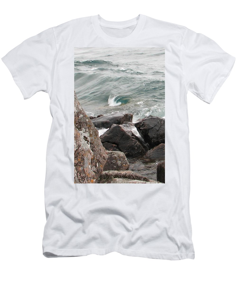 Wave Men's T-Shirt (Athletic Fit) featuring the photograph Back Swirl by Kelly Mezzapelle