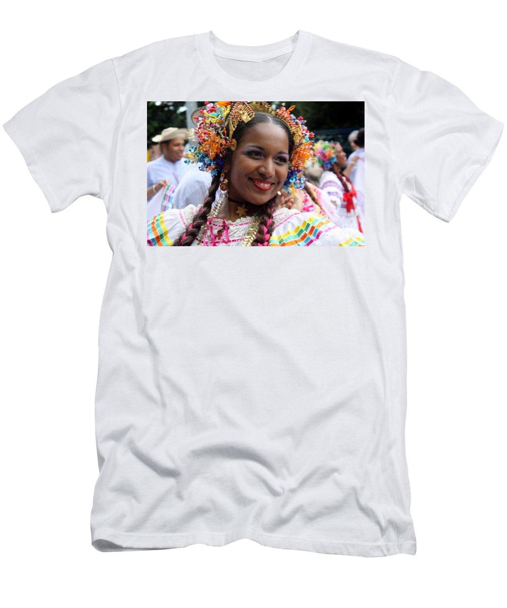Belle Men's T-Shirt (Athletic Fit) featuring the photograph Belle by Jo Hoden