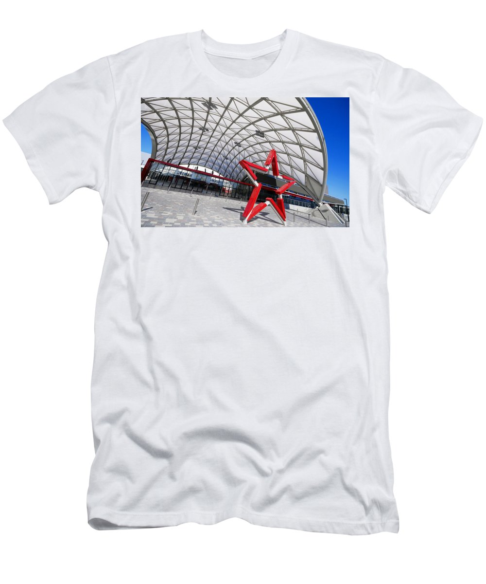 Adelaide Men's T-Shirt (Athletic Fit) featuring the photograph Canopied by Wayne Sherriff