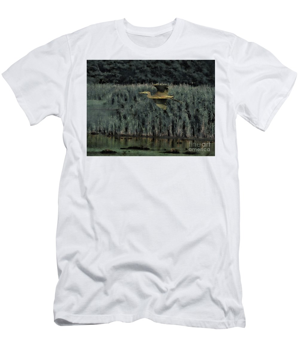 Bombay Hook Men's T-Shirt (Athletic Fit) featuring the photograph Catching Air by Rrrose Pix