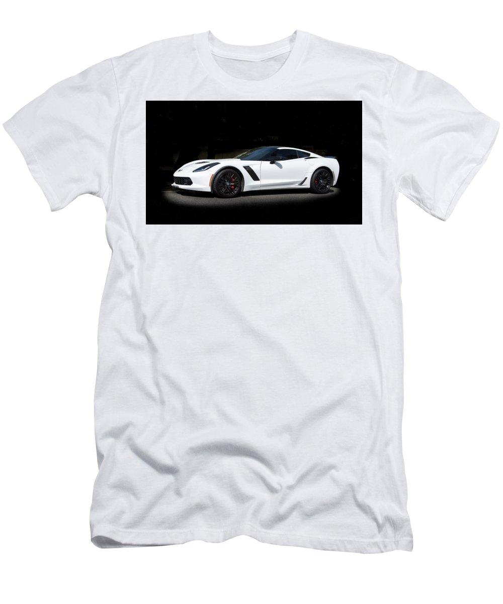 Corvette Men's T-Shirt (Athletic Fit) featuring the photograph Chevrolet Corvette Z06 - 2017 by Gene Parks