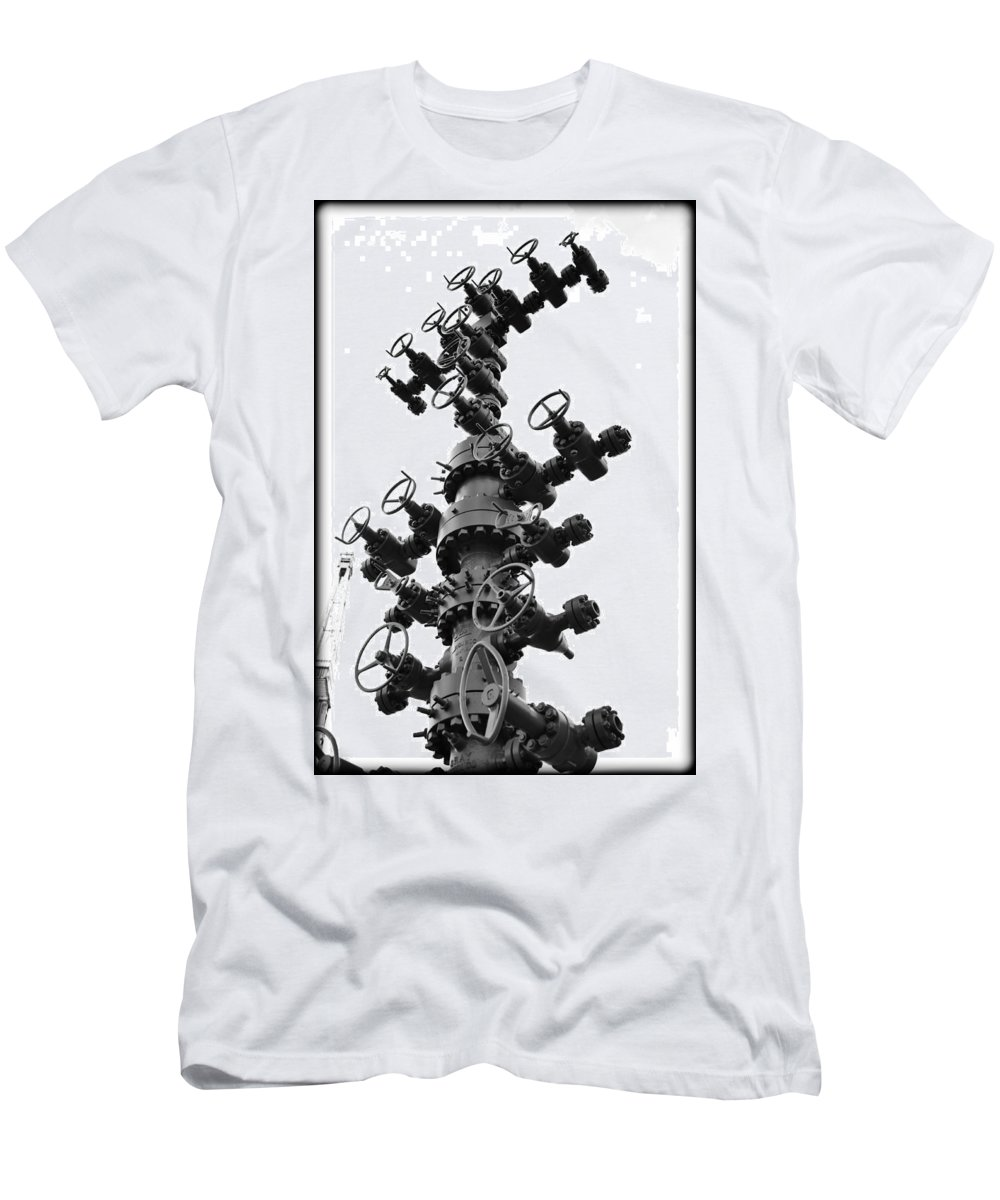 Christmas Men's T-Shirt (Athletic Fit) featuring the photograph Christmas Tree II by Ricky Barnard
