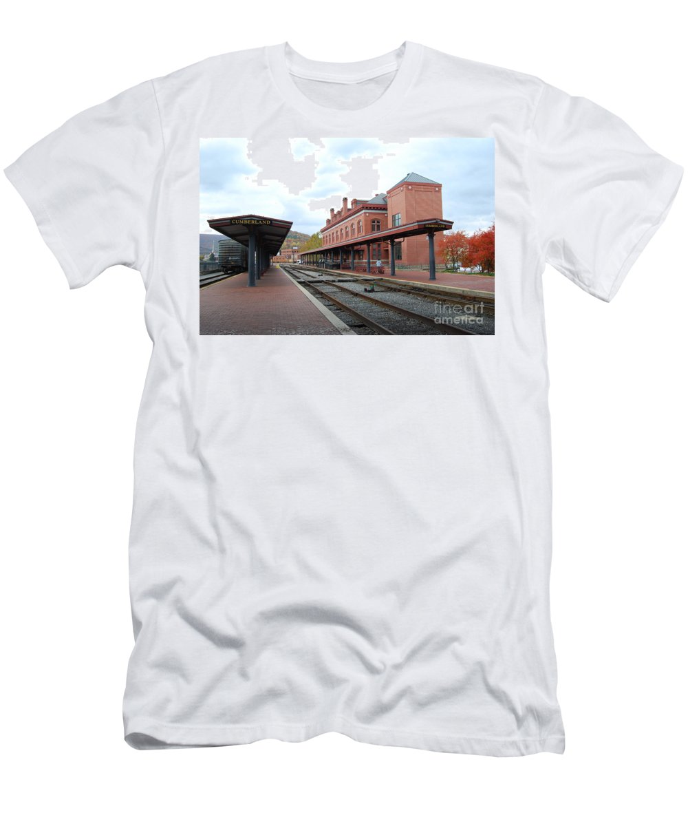Historic T-Shirt featuring the photograph Cumberland City station by Eric Liller